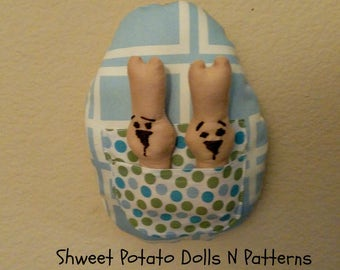 Shweet Easter Egg Bunnies, Primitive Large Egg with Bunnies Inserts, Larger Ornament, Ornie, Door Hanger