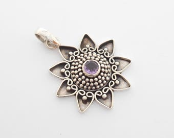 Silver sterling Nine pointed Star Pendant with amethyst gemstone  / Silver 925 / 1.25 inches diameter (#806m)