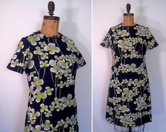 1960s daisy print shift dress • 60s mod ink blue flower print dress • vintage Pretty Penny day dress