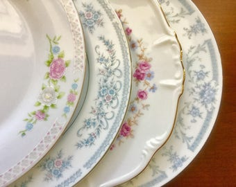4 Mismatched Vintage China Dinner Plates Weddings, Bridal Shower, Tea parties D1010