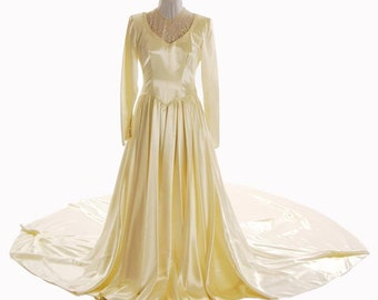 1950s Wedding Gown Cream Duchess Satin  Gown/Dress w/ Long Train Reduced Size 8 - Item #527, Wedding Apparel