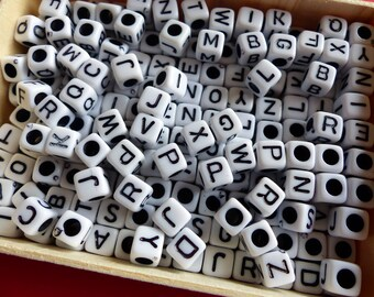 200 square beads making jewelry necklace bracelet black and white alphabet letters