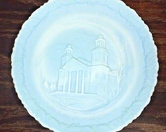 Vtg Fenton Blue Satin Glass 1972 Christmas In America No. 3 Plate. ID# 7-10-3