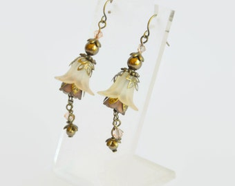 Antique bronze peach hand dyed lucite flower Swarovski crystal and pearl earrings, vintage style earrings, flower earrings, handmade earring