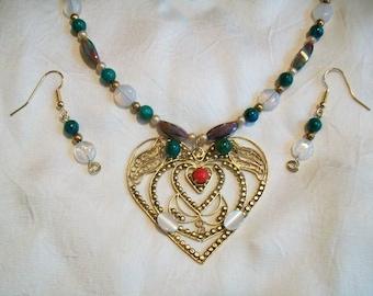 Classic Look Heart Pendant Necklace Set - Vintage Parts