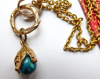 Turquoise Bead Necklace in a golden shell