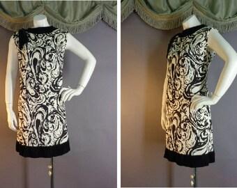60s dress 1960s vintage BLACK WHITE NYLON jersey graphic print swirl mod dress