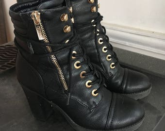Combat lace up boots sz6