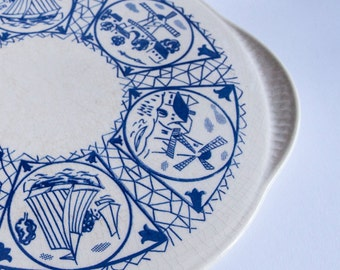 Cake Platter Blue and White Frisian Design