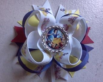 Snow White bottle cap bow