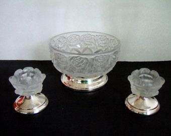 Vintage givré bol en verre cristal & Candle Holders William Adams en relief Roses socle argent Bases Allemagne de l'Ouest élégant cadeaux moins de 50