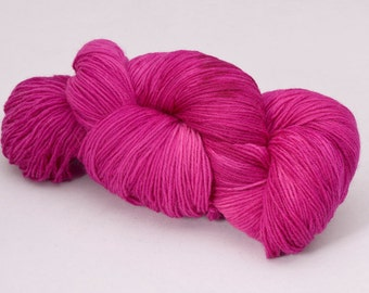 handdyed sockyarn superwash - wool/nylon mixture - fingering weight - colour s 144