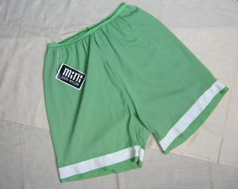 Vintage 1960s Green Nylon Knickers 60s NOS Lingerie Undergarment Size M