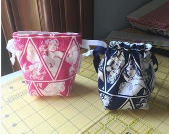 WONDER WOMAN dice bag / knitting notions / change purse / drawstring bag, fully reversable