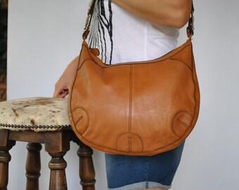 Vintage LEATHER BAG , women's shoulder bag.....(449)