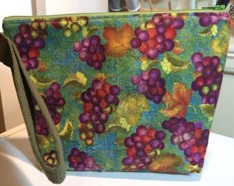 Grapes of Wine Print Little Bit Wristlet Bag