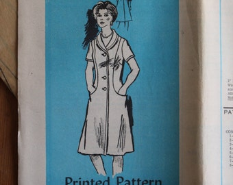 Vintage Mail Order Printed Dress Pattern 4560, Bust 39, Size 16 1/2, Facotry Folds