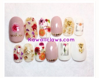 Pressed Floral White & Clear Gel Nail Art Press on false fake nails
