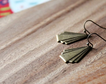vintage brass earrings - art deco - minimal