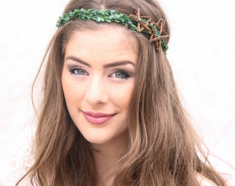 Holiday Hair Accessory Boxwood Floral Crown with Stars, Rustic Christmas Wedding Headpiece, Greenery Hair Wreath, Rustic Star Halo