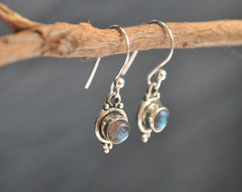 Labradorite Earrings * Sterling Silver Earrings * Lightweight Earrings * Everyday earrings * Rainbow Labradorite * Delicate * Gift   BJE010