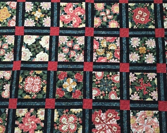 Lap quilt.  Sofa throw. Floral quilt.  Handmade quilt. Home decor.