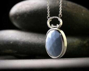 Große afrikanische blaue rose schnitt Opal Sterling Silber lange Anhänger mit gehämmerten strukturierte Kaution