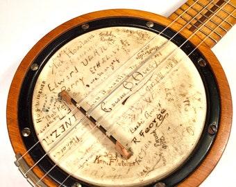 Vintage 1920s chicago made Banjo Ukulele Uke with Illustrated head banjolele