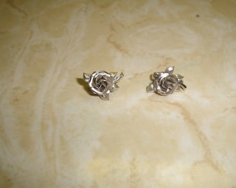 vintage clip on earrings silvertone dimensional rose flower