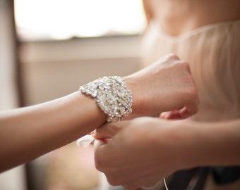 Cristal de manchette, Bracelet strass, mariée manchette, Bracelet de mariée, Bracelet en cristal, Bracelet de mariage, bijoux de mariage, Bracelet demoiselles d'honneur