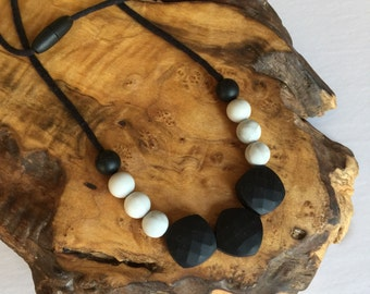 Nursing Necklace | Teething Necklace | Breastfeeding Necklace | Baby Mommy Necklace | Nursing Necklaces | Mommy Necklace | Silicone Teething
