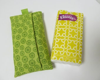 Tissue Case/Green Flower