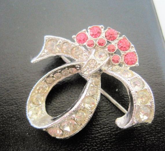 Rhinestone Brooch, Designer Signe, Pink Clear Swirl Style, Des. Pat Pend, 40's brooch