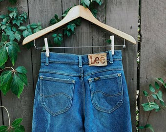 vintage LEE women's jeans - size 9 - faded denim high waist