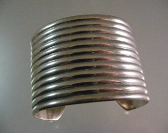Vintage Extra Wide Jondell Signed Sterling Silver Ribbed Cuff Bracelet .... Lot 5590