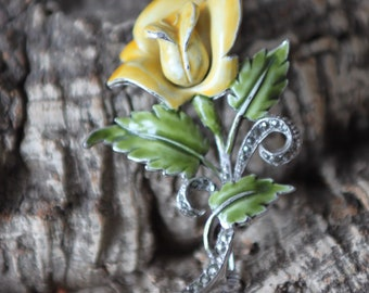 A Vintage Floral Spray Brooch   SKU1567