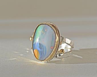 Boulder Opalring in Gold und Silber, große Australien Opalring, natürlichen Opal-Cocktail-Ring, blauer Opalring, Oktober Birthstone, Größe 8