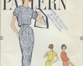 Vintage 1958 Vogue Sewing Pattern 9451 One Piece Dress / Size 10