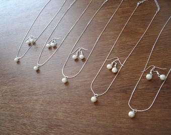 Bridesmaid Gift, Pearl Necklace and Earring Set Bridesmaid Jewelry Gift Set, Wedding Jewelry Gift, Bridesmaids Gift, Bridal Party Gifts