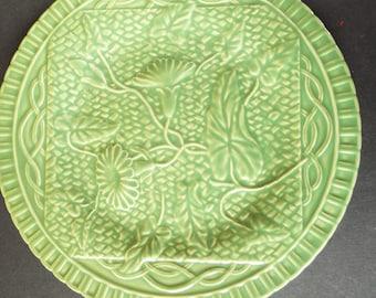 "Bordallo Pinheiro green majolica plate 9.5"" flowers and vines"