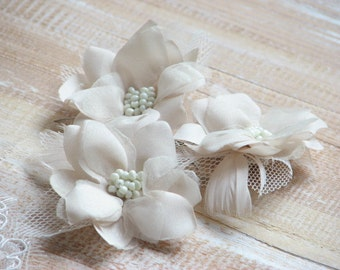Set of 3 hair flowers Cream hair flower Champagne hair flower Wedding hair flower Ivory hair flower Wedding cream flower Ivory Hair flower