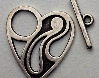 0804.102 Metal Toggle Clasp Heart Black Etched  Silver 25x29mm