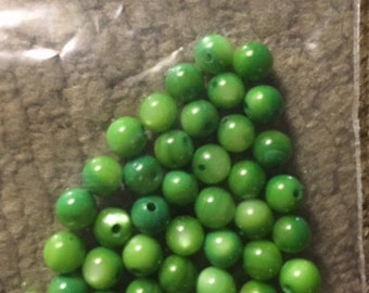 Green Glass Round beads 4 mm 42 beads perfect in pea jewelry
