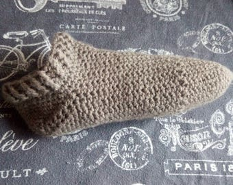 ladies 9-10-11 size crochet slipper socks acrylic gray brown