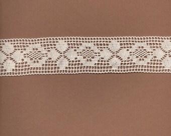 Ecru cotton in-between 4.5 cm wide