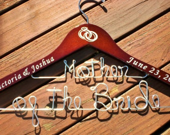 Personalized Hangers/ Mother of the Bride/Personalized Wedding Hanger/Personalized Custom Bridal Hangers/Weeding Hanger/Bride/Vinyl hanger