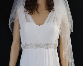30% Fingertip Length Two-Tier Veil with Scallop Edge