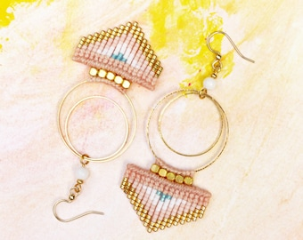Macrame arrow spike triangle chevron dangling earrings graphic hoops peach pastel pink white gold turquoise designer jewelry made in France