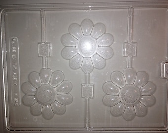F97 - Chocolate Lollipop Mold - Daisies