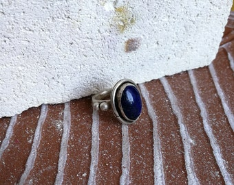 Sterling silver ring with lapis lazuli gemstone Saturn style